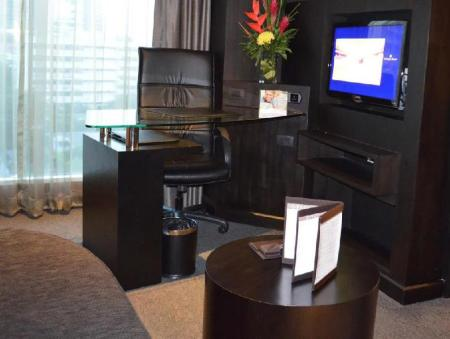 Interior view Golden Tulip Mandison Suites