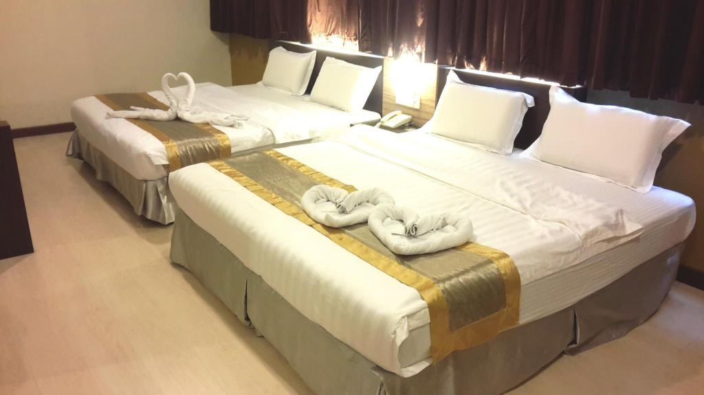 Family Double (2 Double Bed)