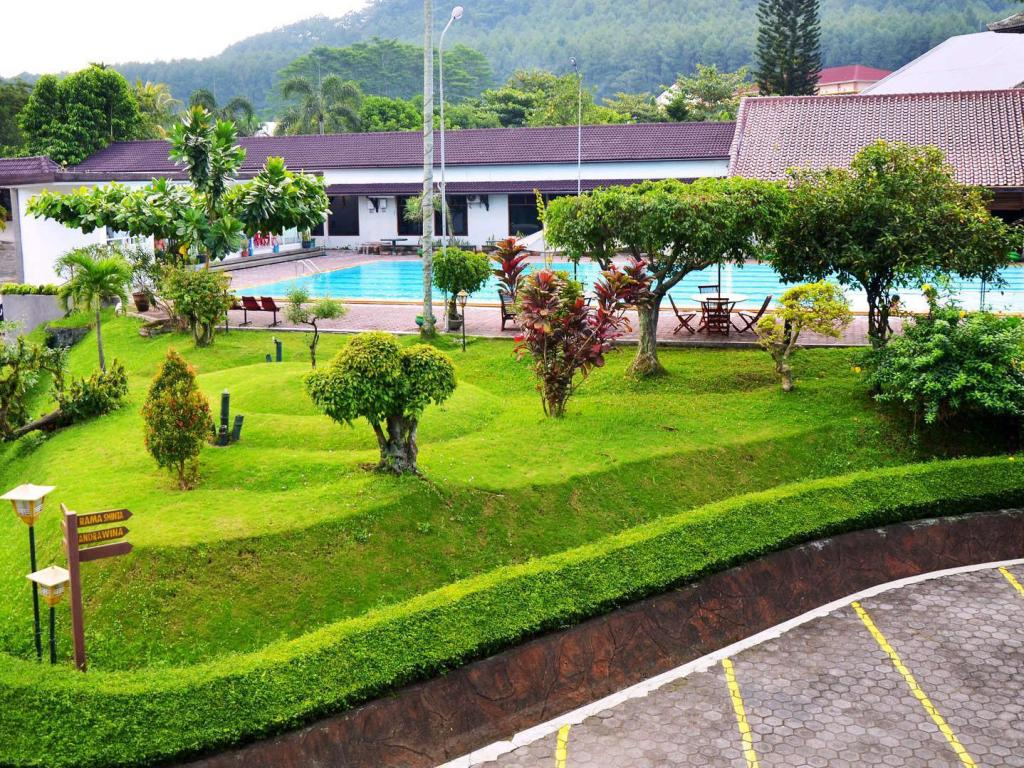 Best Price On Front One Resort Magelang In Magelang Reviews