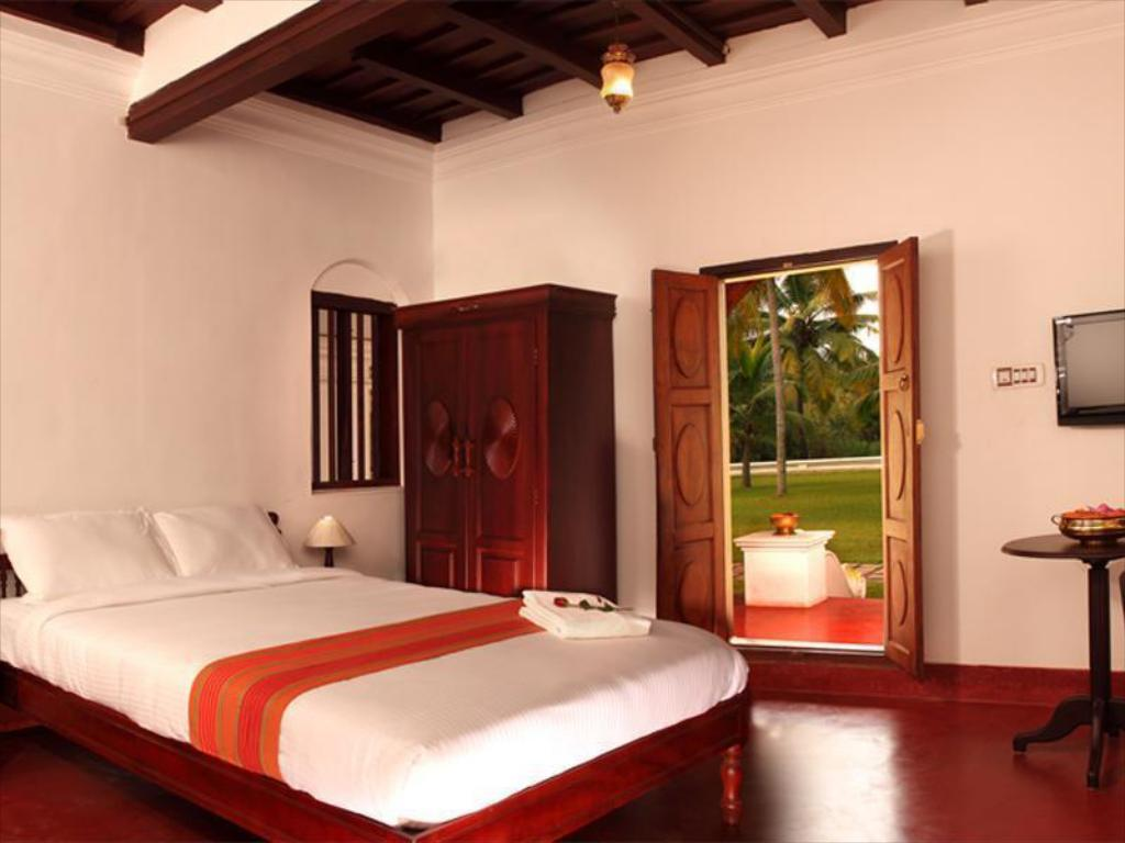 Soma Kerala Palace Resort Kumarakom Deals Photos Reviews