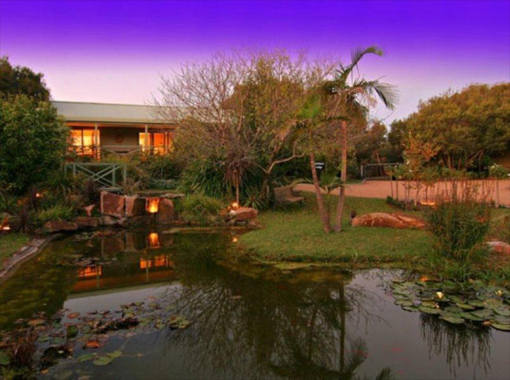 More about Weeroona Bed and Breakfast