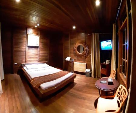 Superior Double - Bedroom Highland Resort & Nature Tours
