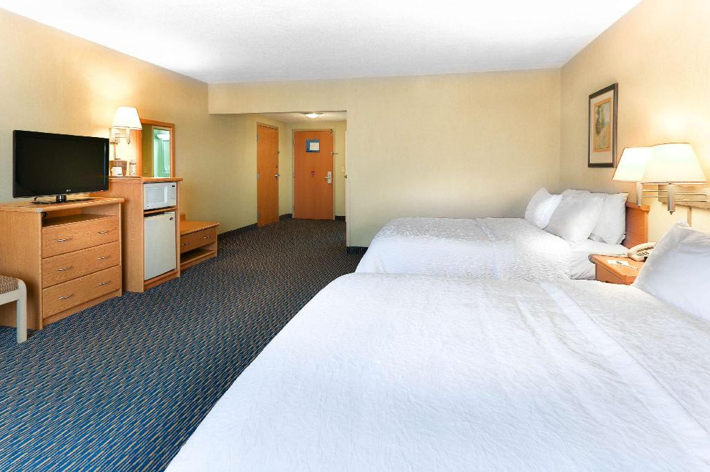 2 Queen Beds Accessible Non-Smoking Hampton Inn and Suites San Jose