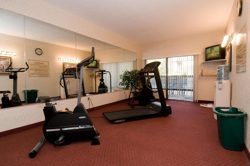 Фитнес-центр Hampton Inn Atlanta Peachtree City