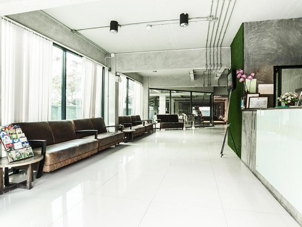 Foyer B2 Green