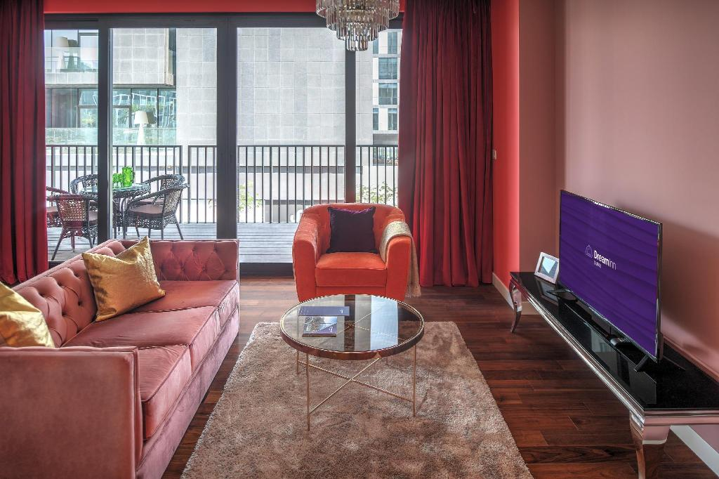 Interior view Dream Inn - Alluring 3 Bedroom Apartment in City Walk