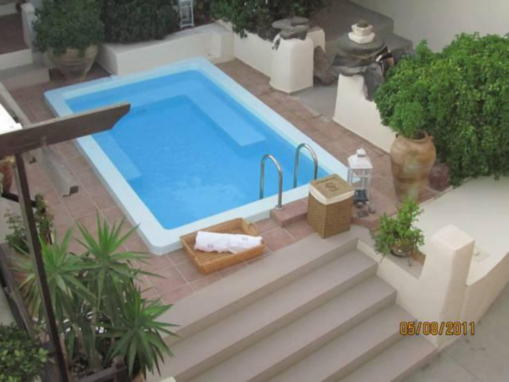 Swimming pool Lava Suites & Lounge Hotel