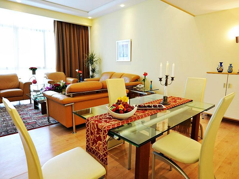 Apartament z 3 sypialniami (Three-Bedroom Apartment)