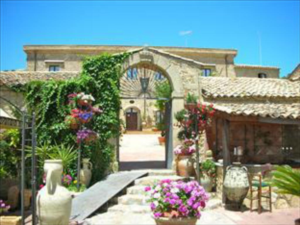 Agriturismo Vecchia Masseria Charme Relax Farm Stay Caltagirone