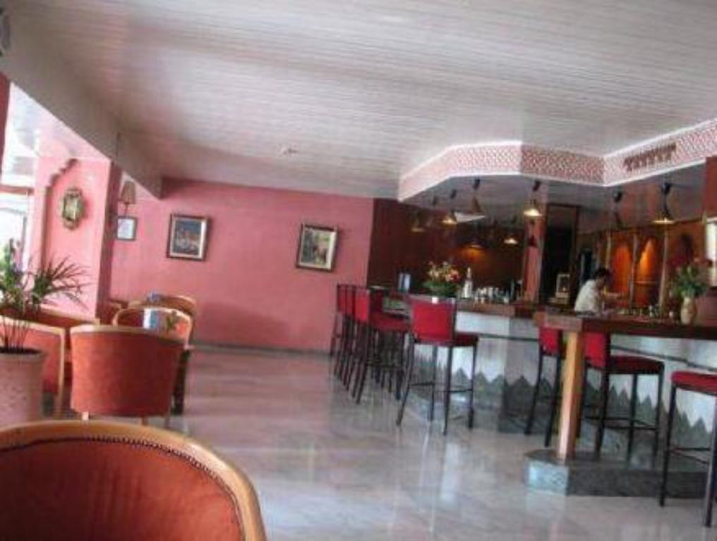 Bar/lounge Chems Hotel