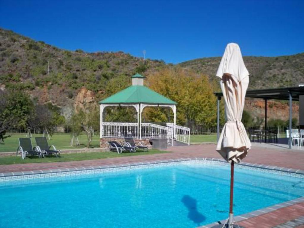 Swimming pool De Oude Meul Country Lodge