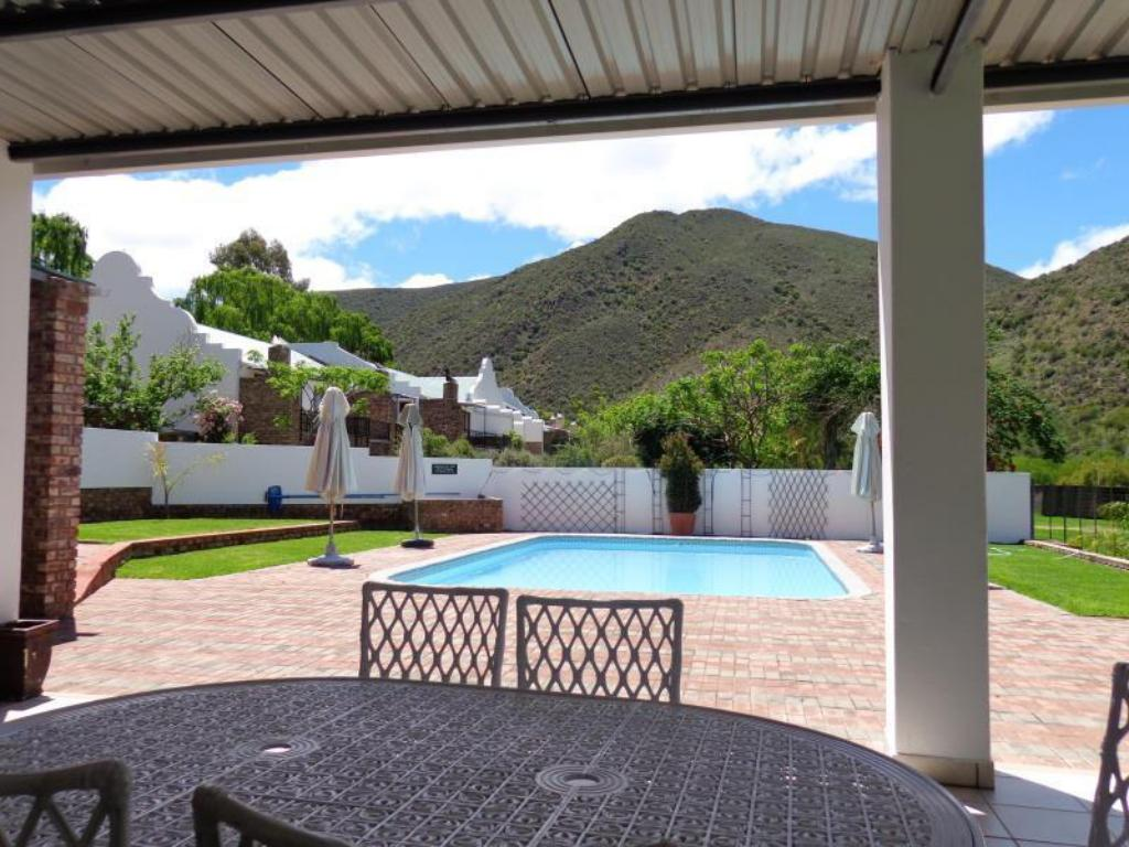 Swimming pool [outdoor] De Oude Meul Country Lodge