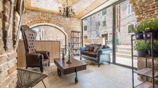 Heritage Palace Varos - MAG Quaint And Elegant Boutique Hotels
