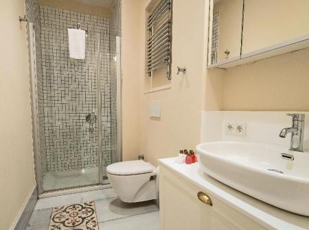 Bathroom Galata Tower Suites By Mile Hotels