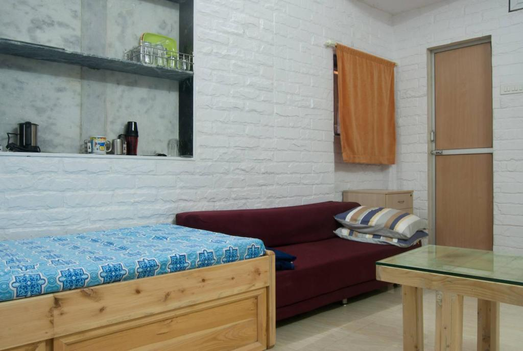 Airport StopOver Studio Apartment, Mumbai
