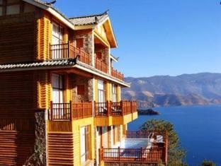 Silver Lake Island Hotel At Lugu Lake