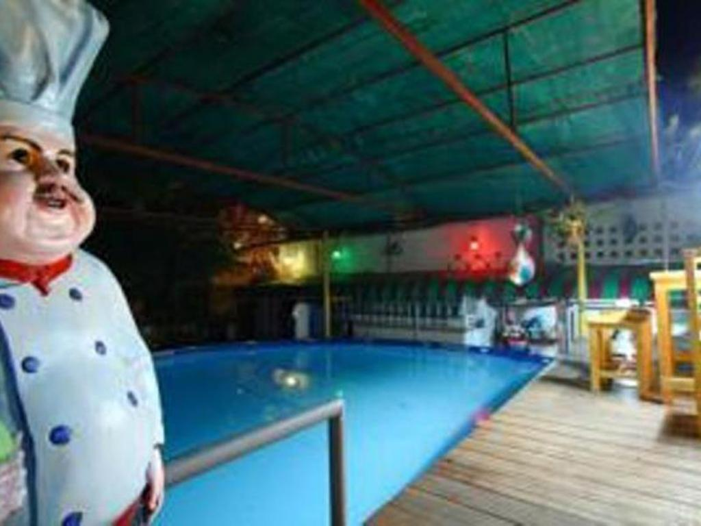 Swimming pool King's Home Hua Hin Homestay