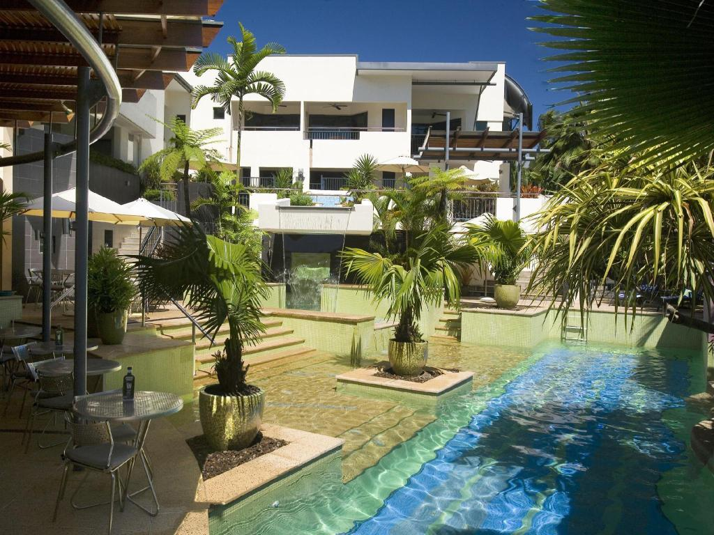 Swimming pool [outdoor] Peninsula Boutique Hotel Port Douglas