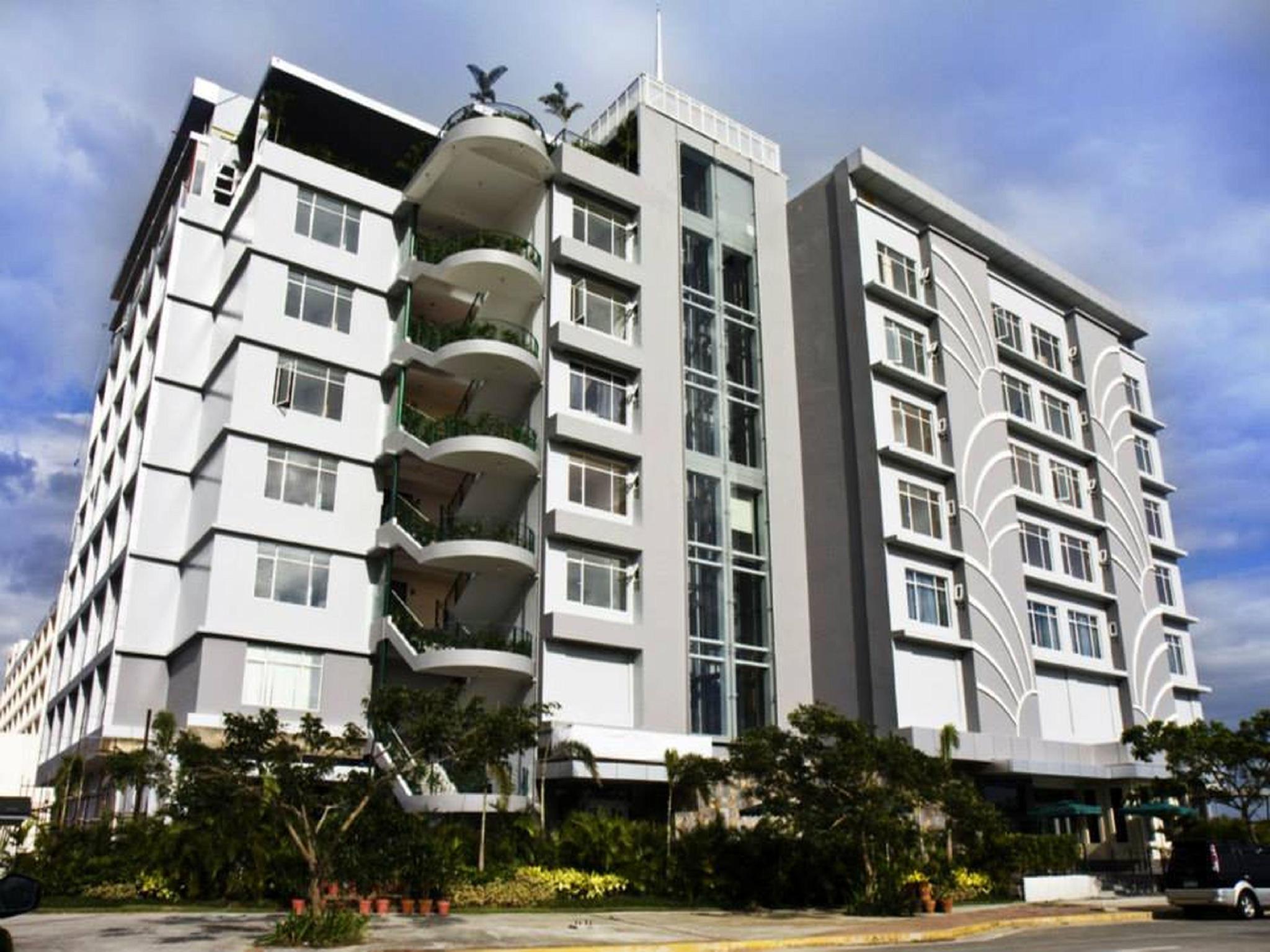 paseo premiere hotel laguna from 48 save on agoda. Black Bedroom Furniture Sets. Home Design Ideas