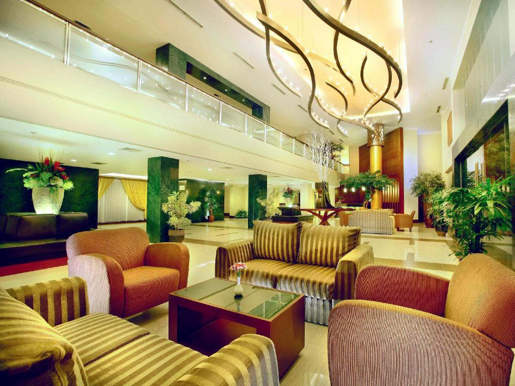 Lobi Aston Tanjung Pinang Hotel & Conference Center