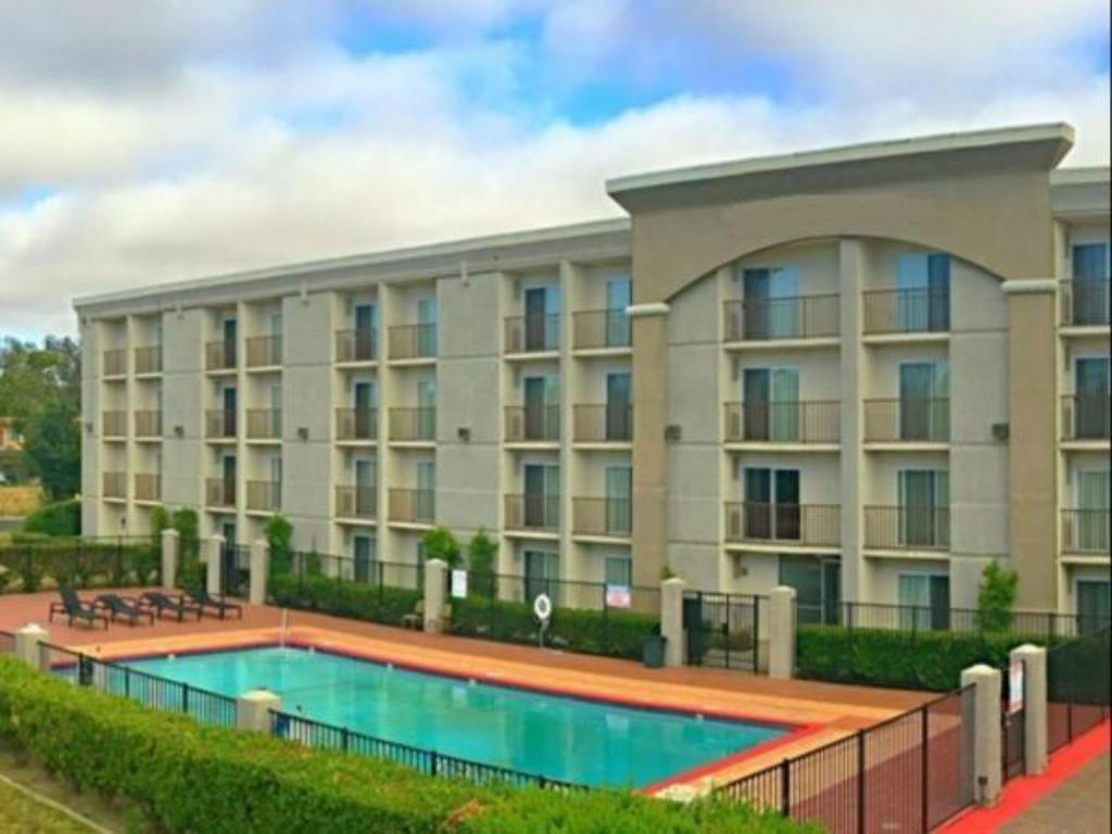 More about GHMG Hotel Livermore
