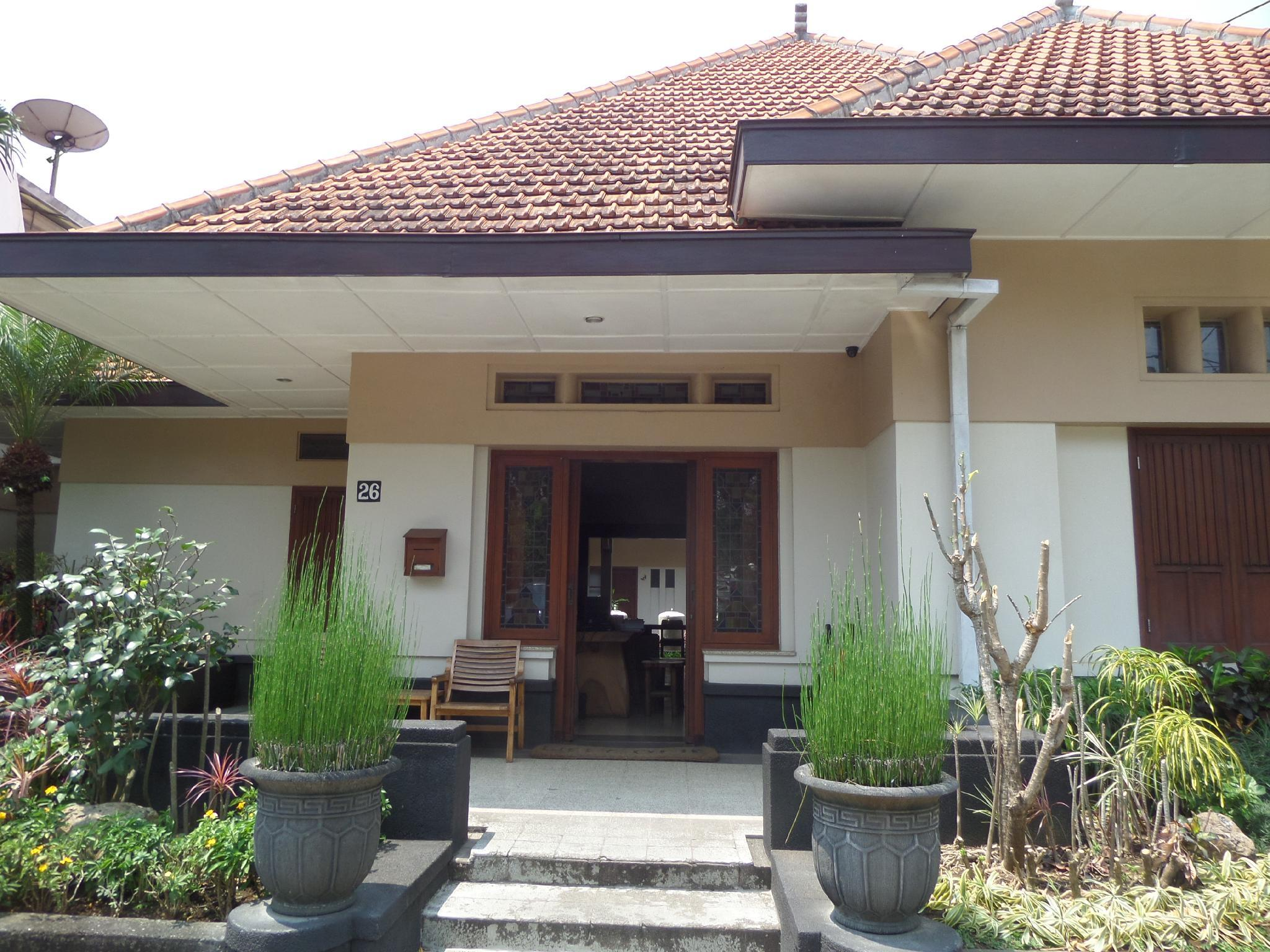Book Merbabu Guest House Malang 2019 Prices From A 22
