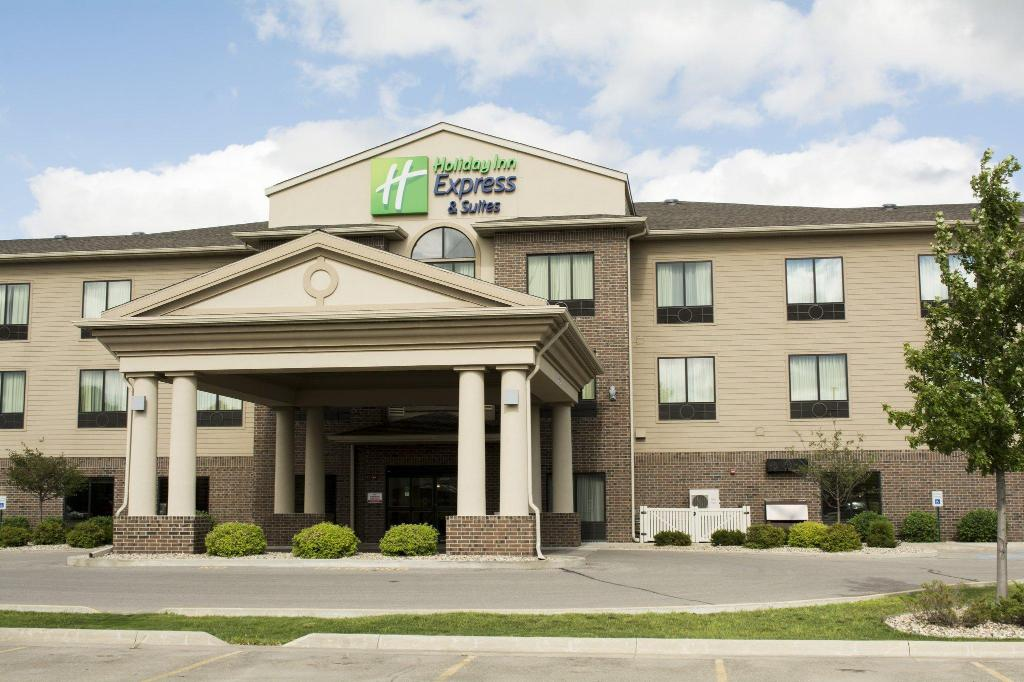 Holiday Inn Express Hotel and Suites Mason City