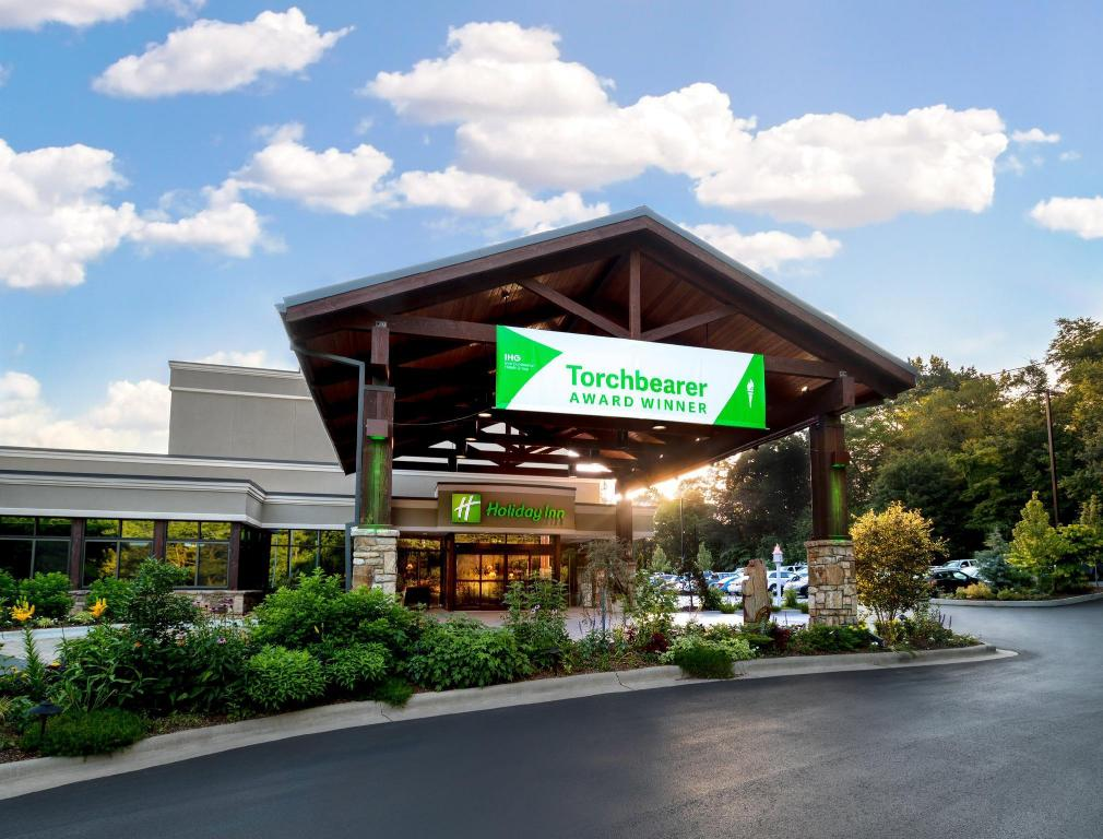 Hotels In Asheville Nc >> Holiday Inn Asheville Biltmore East In Asheville Nc Room