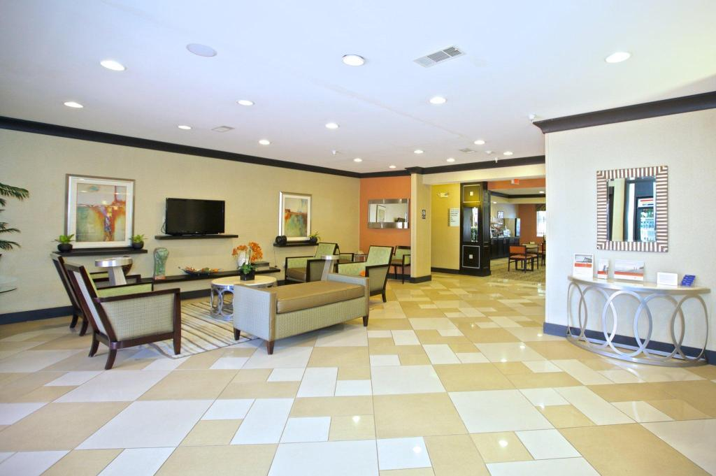 Лобби Holiday Inn Express And Suites Kennesaw Northwest - Acworth