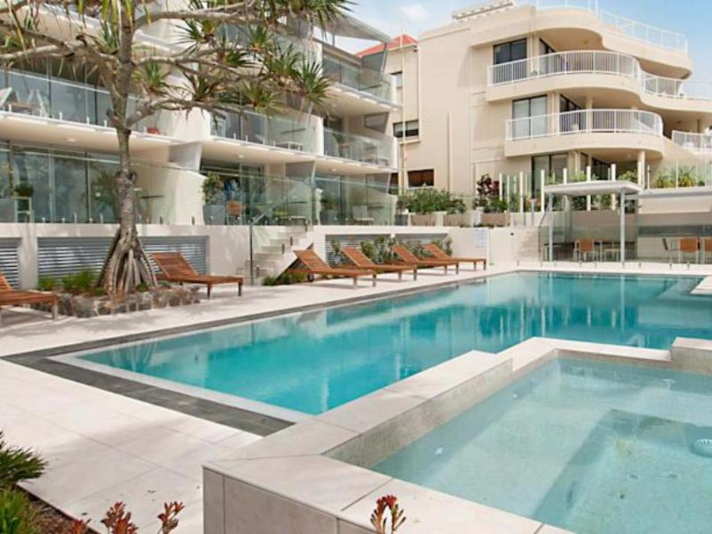 Best price on fairshore noosa hotel in sunshine coast reviews for Can head lice transfer in swimming pools