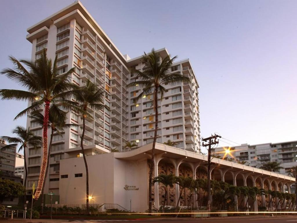 More About Queen Kapiolani Hotel