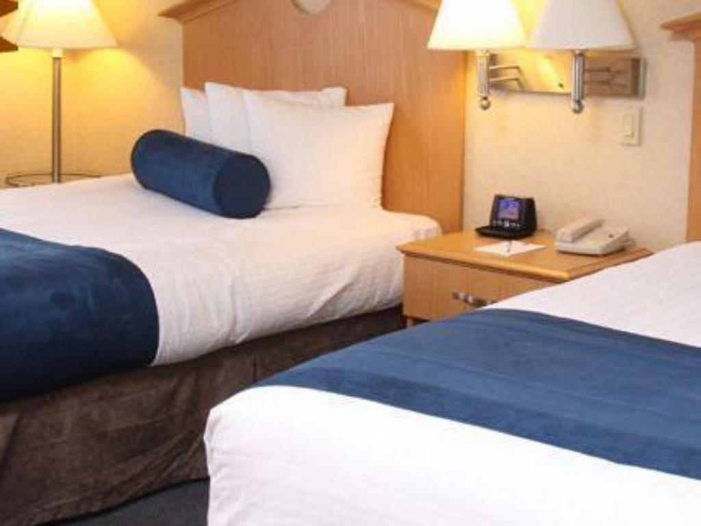 2 Double Beds Smoking - Bed Marco Laguardia Hotel by Lexington