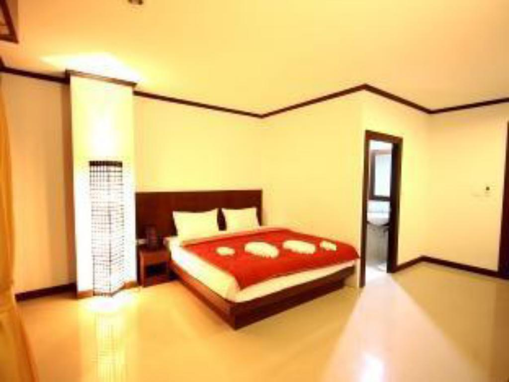 Economy No Window - get upgrade to Superior Balcony - Guestroom Sharaya Patong Hotel