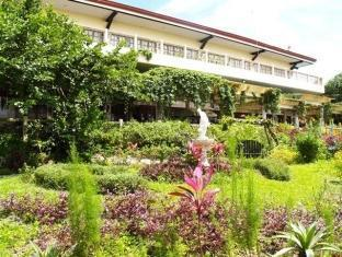 Bed & Breakfast at Royale Tagaytay Country Club
