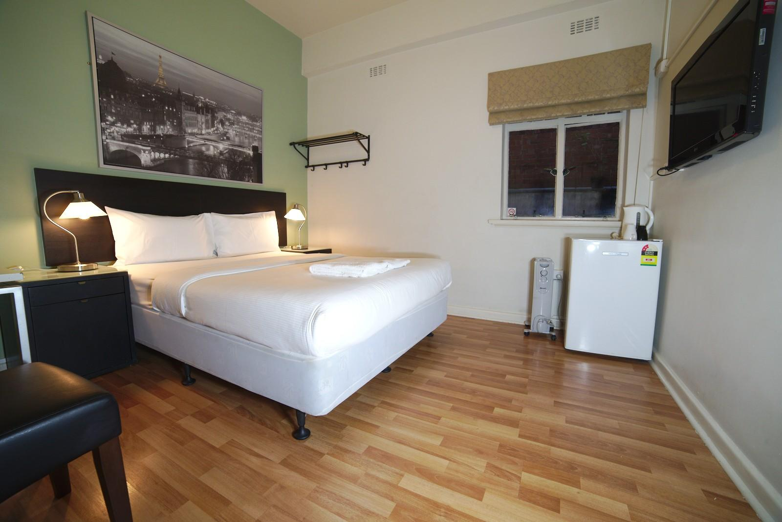 DOUBLE TWO BEDS - ROOM ONLY