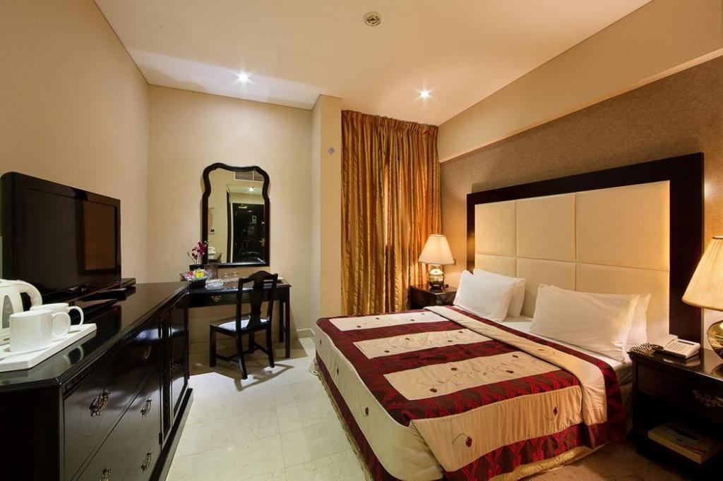 Standard Double or Twin Room - Guestroom President Hotel