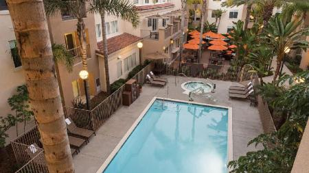 Swimming pool [outdoor] Hyatt House San Diego Sorrento Mesa