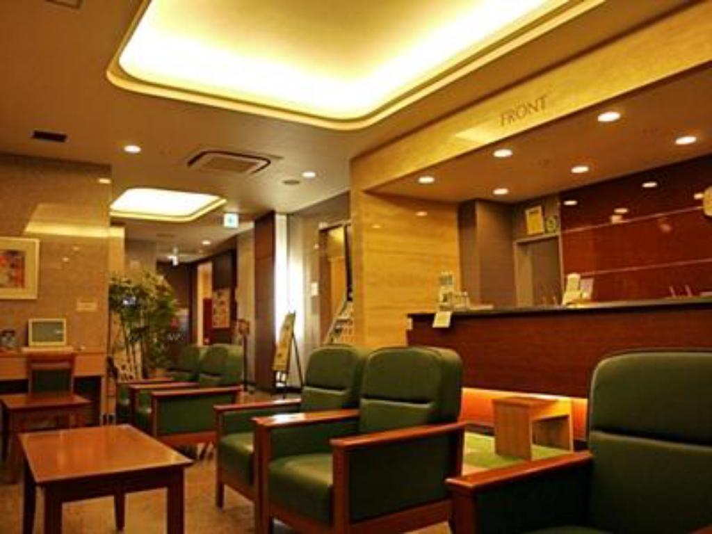Лоби Hotel Route Inn Shinjyo Ekimae