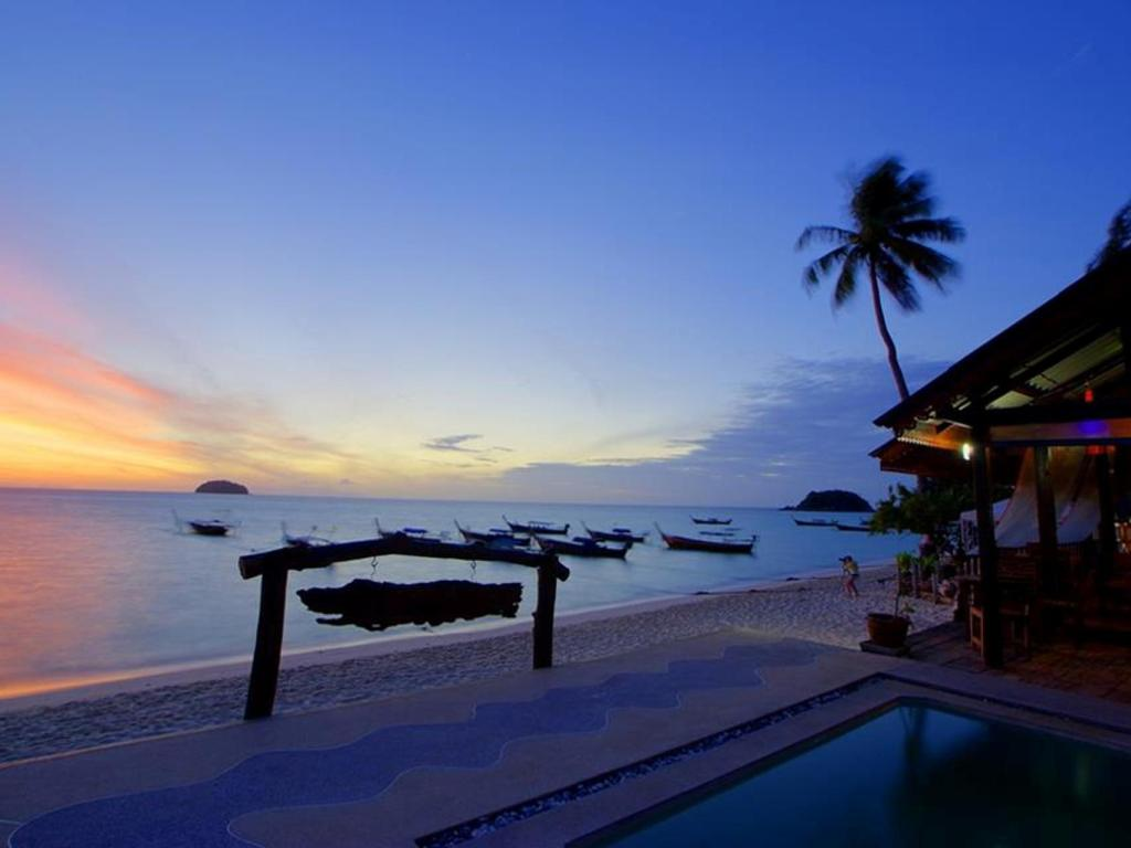 More about Lipe Power Beach Resort