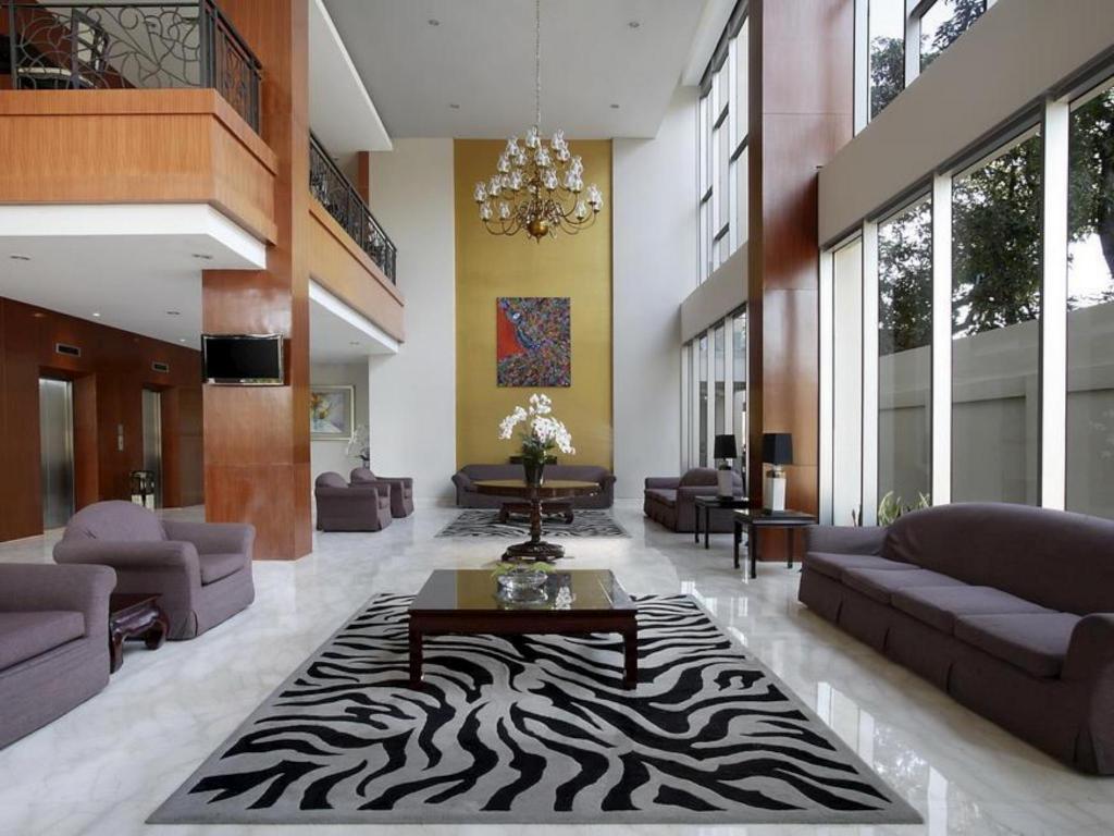 Best Price On Hotel Santika Jemursari In Surabaya Reviews
