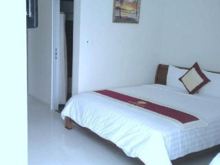 Superior Single Hoang Yen Canary Hotel
