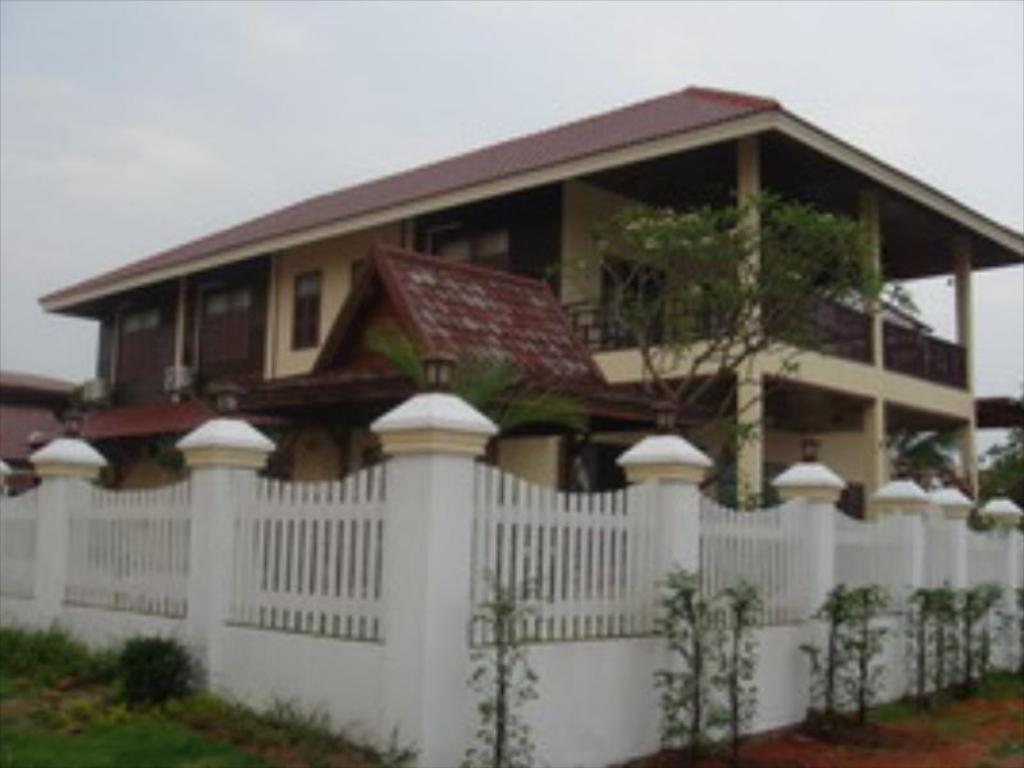 More about Keerawan House Rim Khong