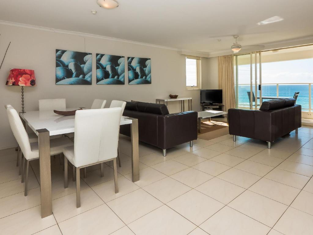 Room plan Beachfront Viscount Apartments