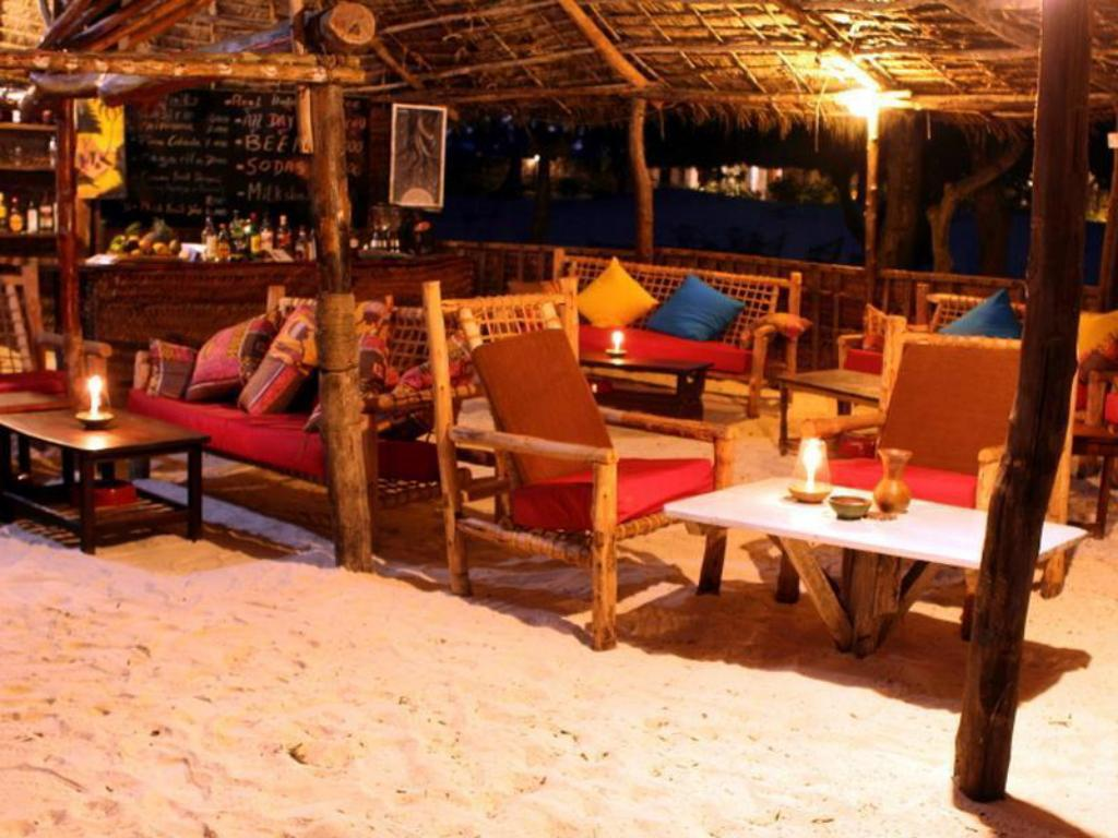 Interior view Ndame Beach Lodge
