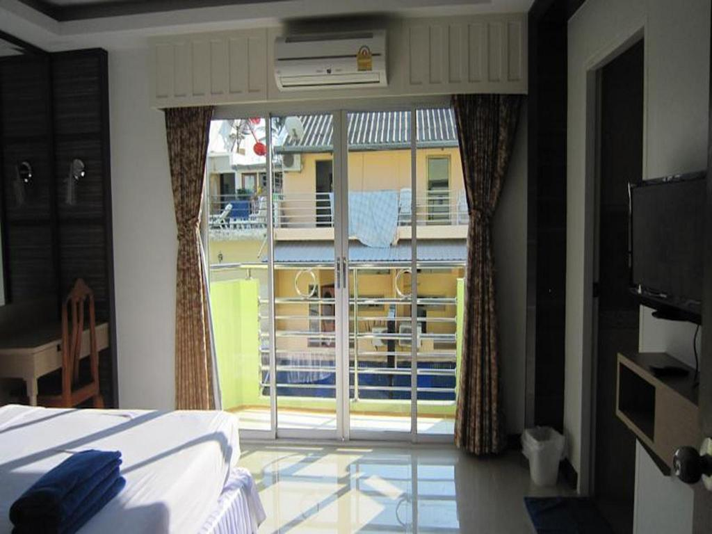 double bed top view. Standard Double Bed Ao-Nang Top View Hotel