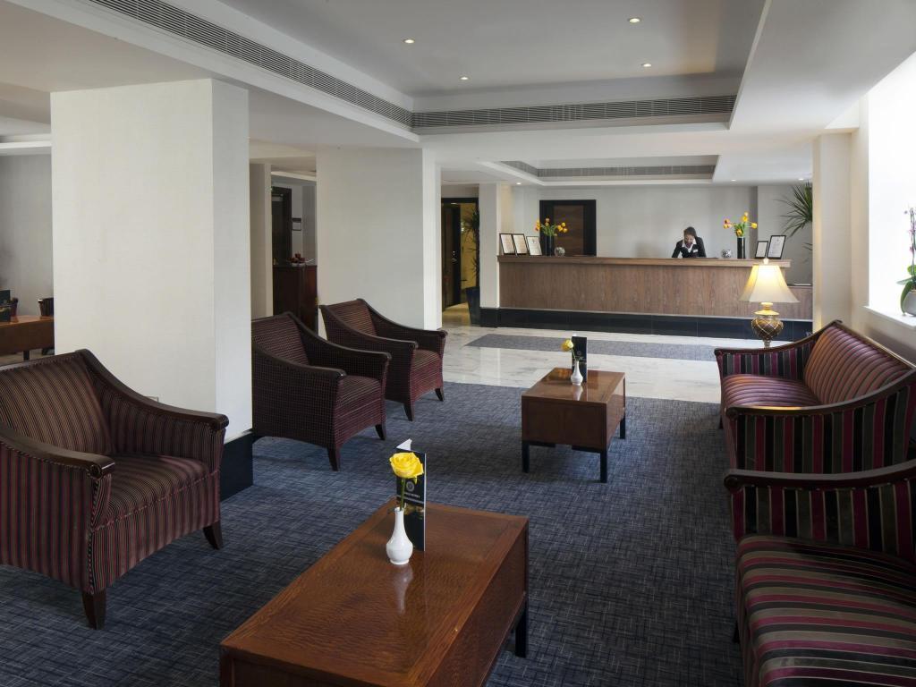 wellington hotel deluxe double. Lobby Grange Wellington Hotel. Hotel Deluxe Double