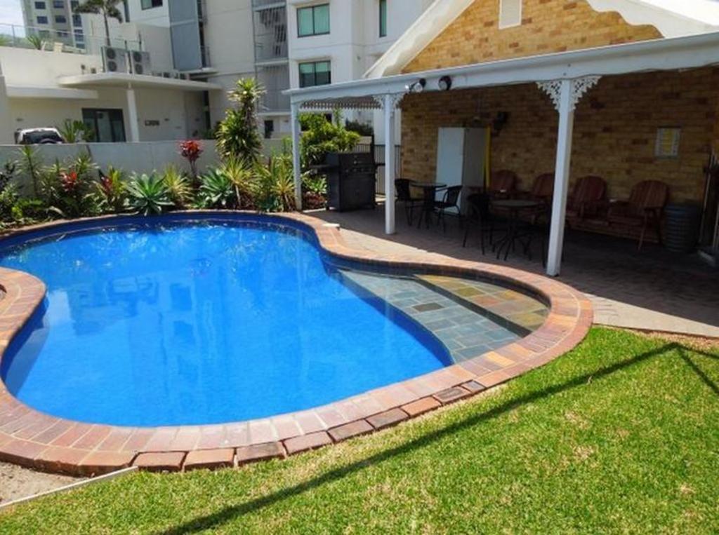 maroochydore beach motel in sunshine coast room deals. Black Bedroom Furniture Sets. Home Design Ideas