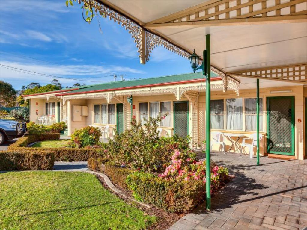 More about Wintersun Gardens Motel