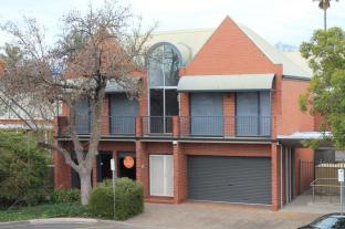 Specialty Accommodation – Adelaide Dress Circle Apartments