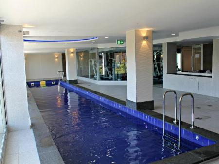 Swimming pool North Terrace – Adelaide DressCircle Apartments